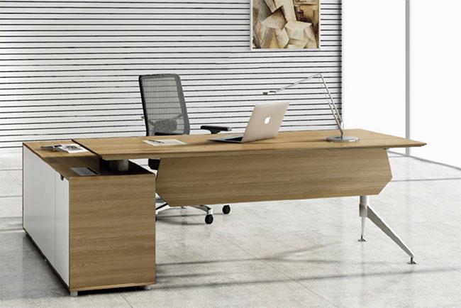 biurowe biurko jasne drewno, nowoczesne