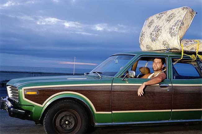 przewóz materaca autem na dachu